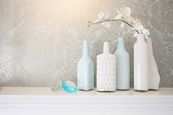 DIY shabby chic home decor - how to create your own milk glass vases