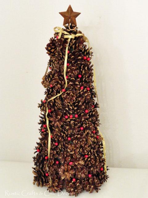 diy pinecone decor for the holidays