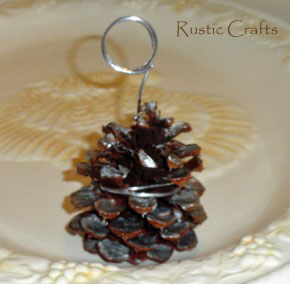 diy pinecone decor for the holidays
