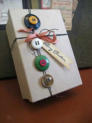 box and button gift wrap
