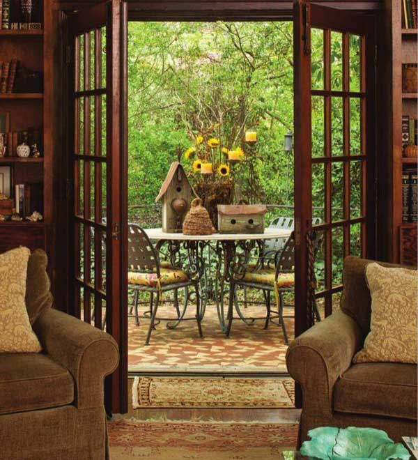 birdhouse table display