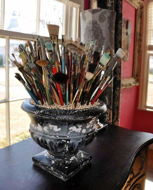 paintbrush centerpiece idea