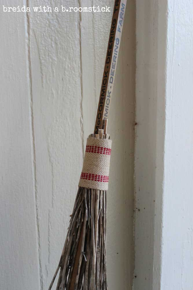 quick Halloween crafts - broomstick made from tiger lillys