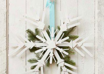 diy outdoor christmas decorations - snowflake wreath