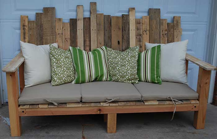 pallet decor - diy outdoor sofa