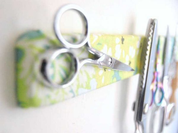 craft room scissor organizer