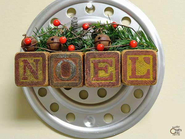 wooden block noel sign