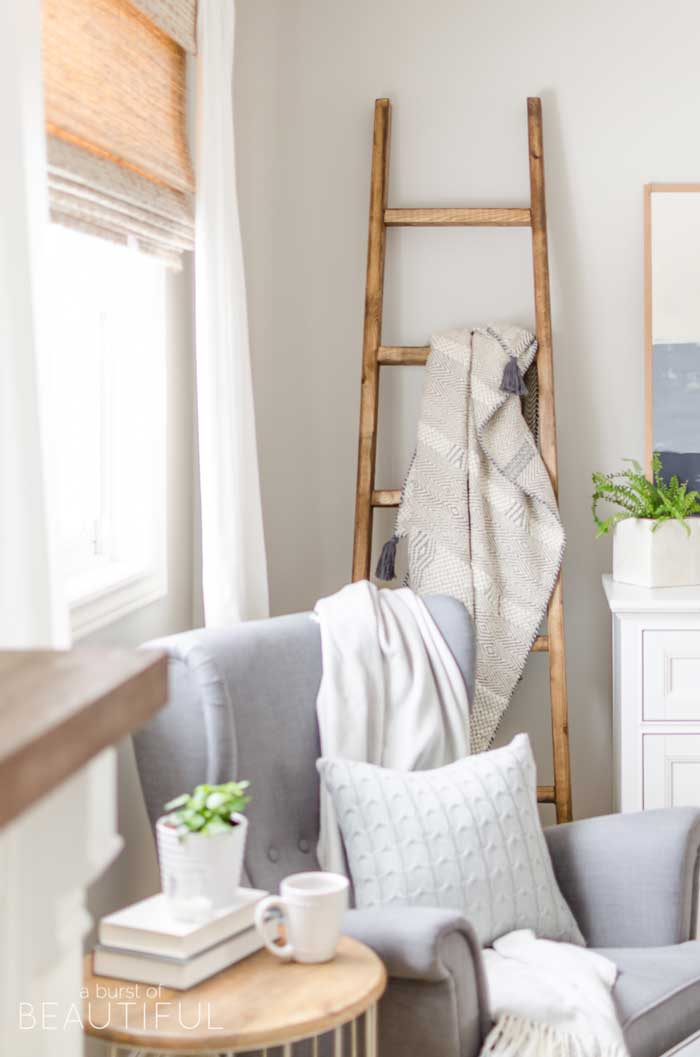 diy farmhouse ladder decor