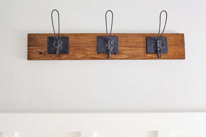 diy farmhouse style towel rack