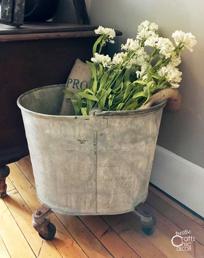 farmhouse style mop bucket