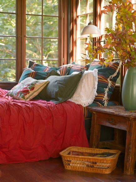 warm and rustic cabin bedroom