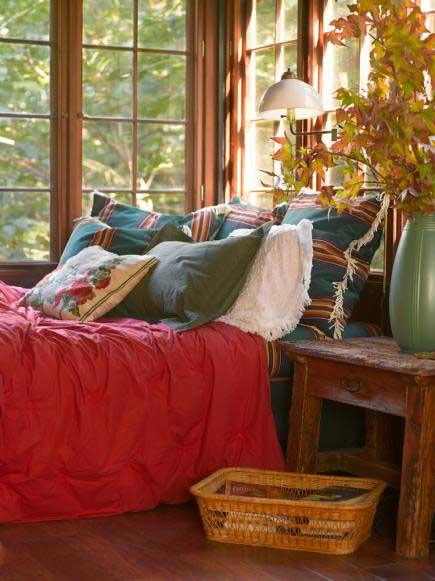 warm and rustic cabin bedroom