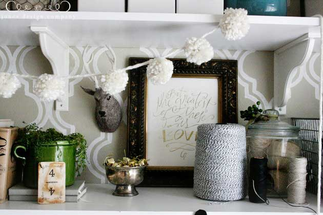 diy pom pom garland made from yarn