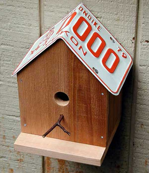 small wooden birdhouse craft