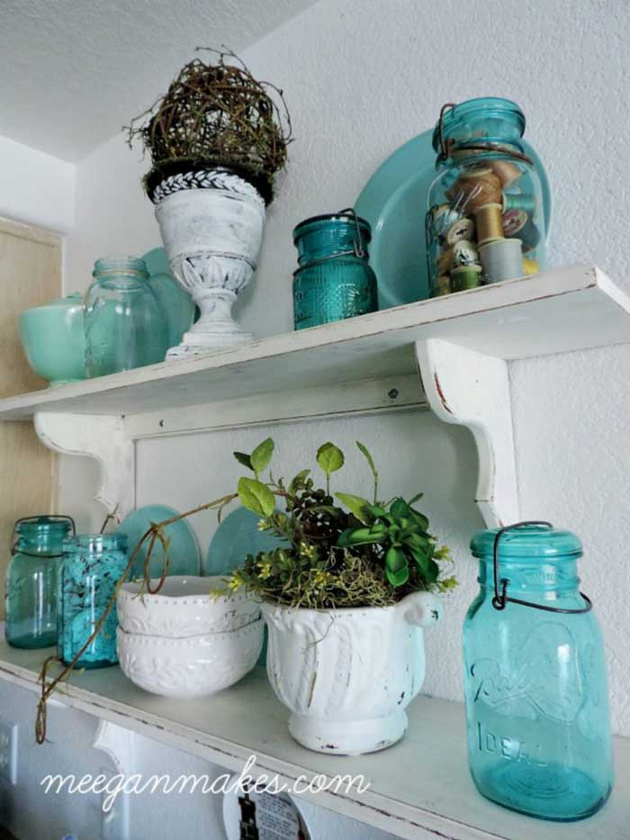coastal blue cabin decor