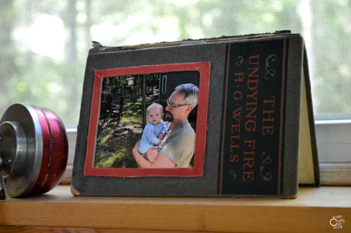 upcycled book picture frame