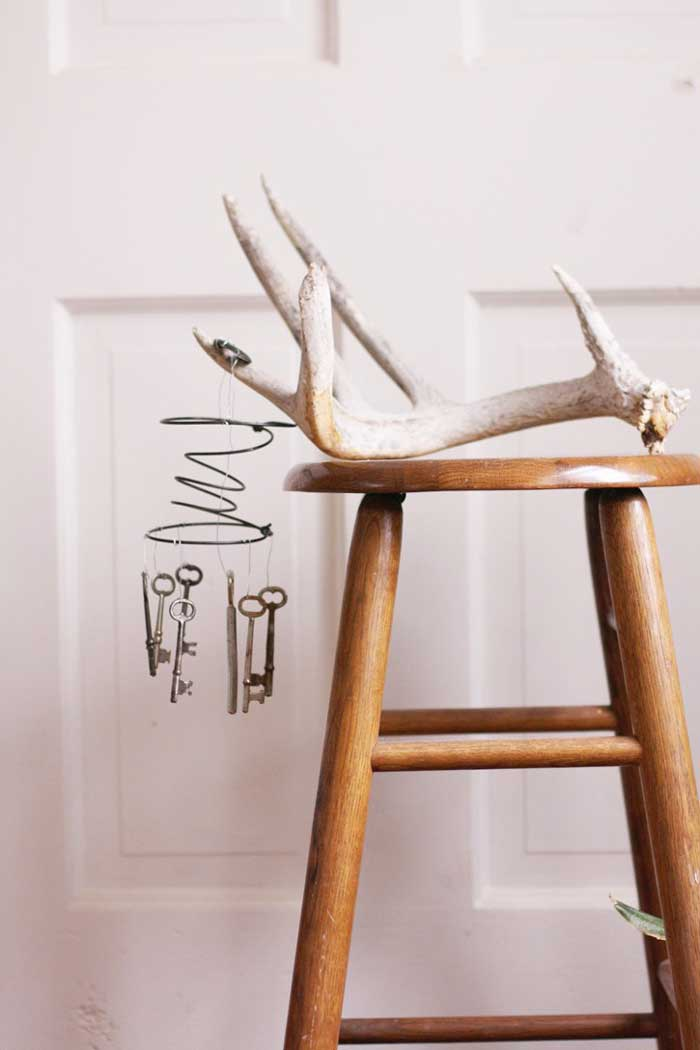 diy wind chimes with skeleton keys