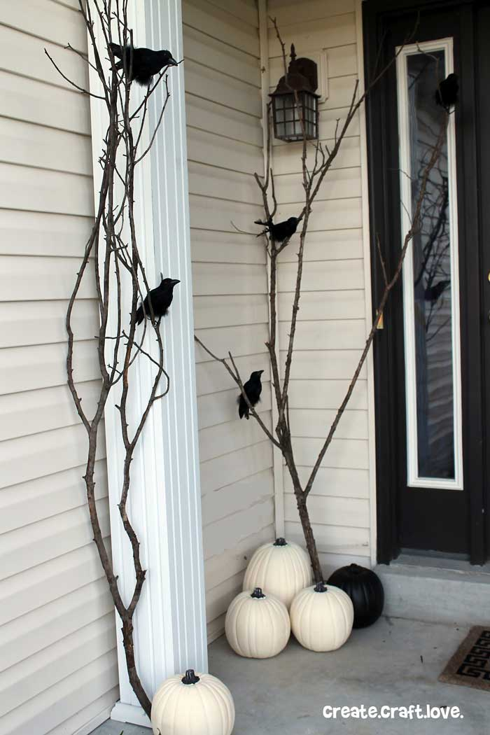 black and white creative halloween decor ideas