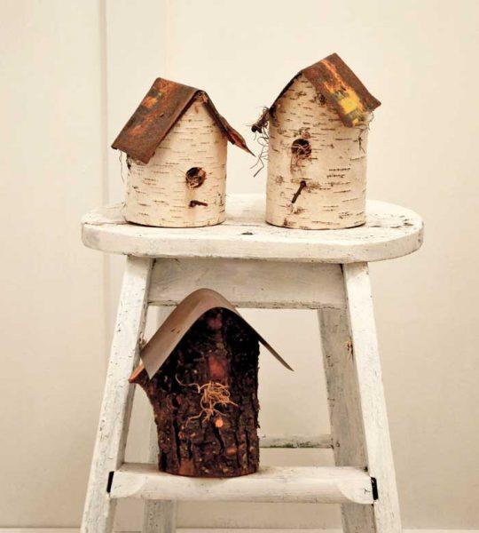 diy log birdhouses