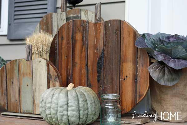 salvaged wood fall pumpkins
