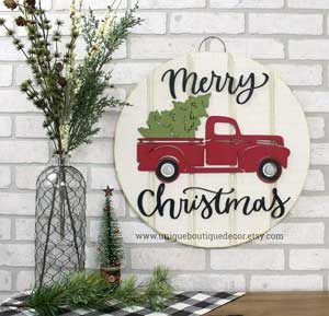 round rustic christmas sign