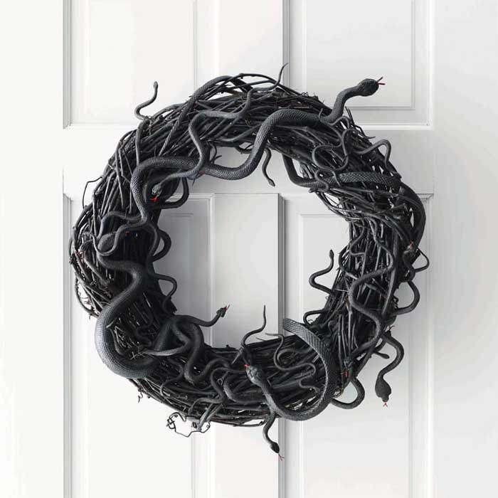 halloween wreath ideas - snake wreath