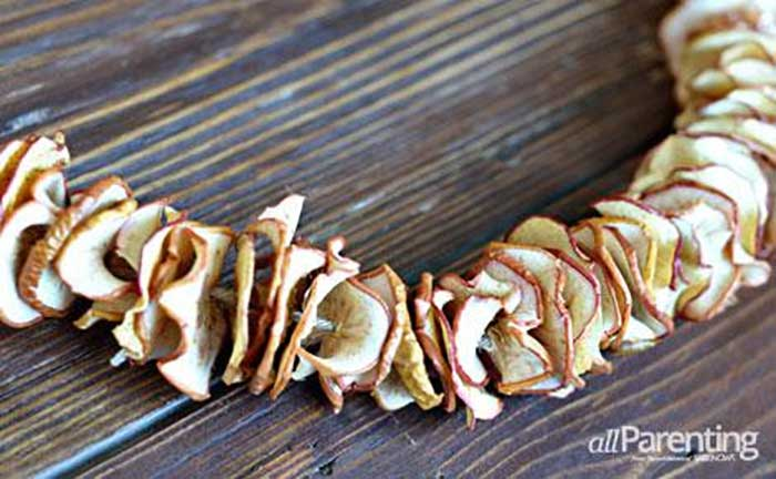 dried apple garland