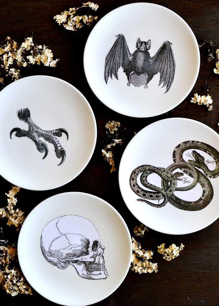 creepy halloween plates