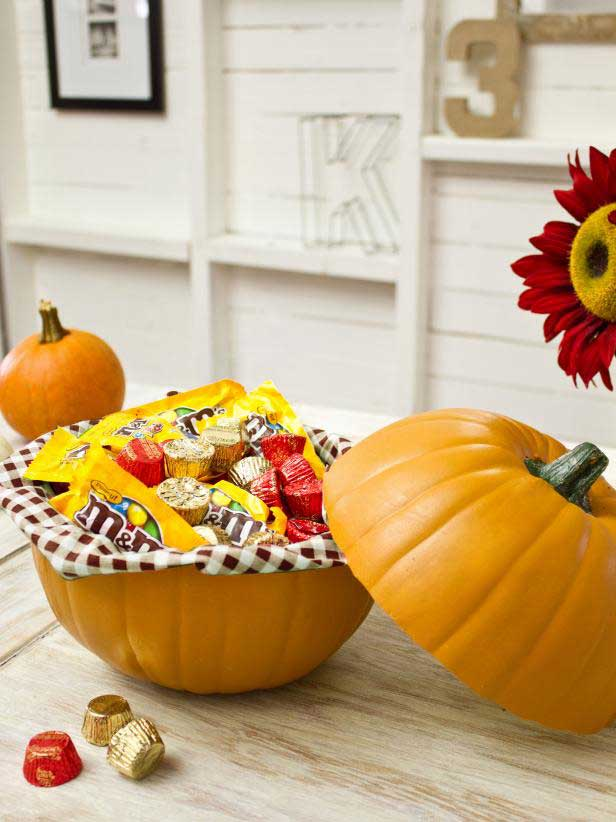 halloween party crafts - pumpkin serving bowl