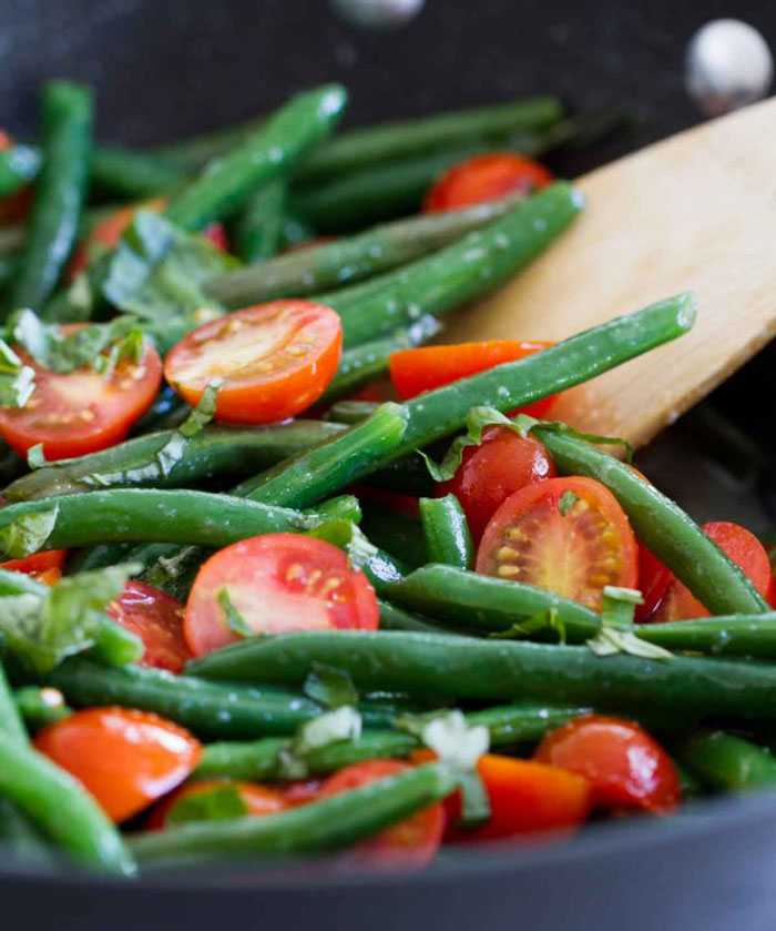 sauteed green beans and cherry tomatioes