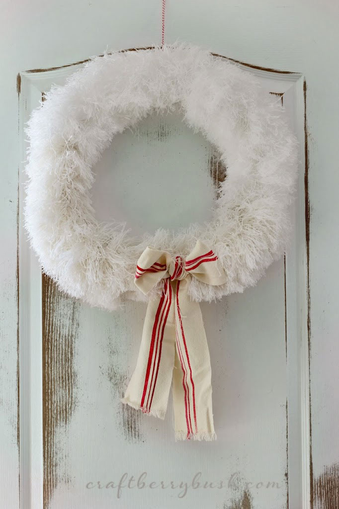 white fluffy christmas wreath idea