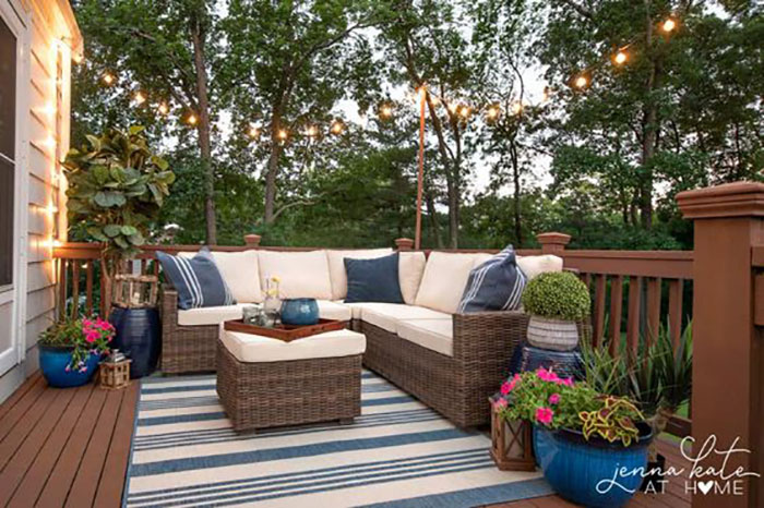 budget deck decorating with string lights