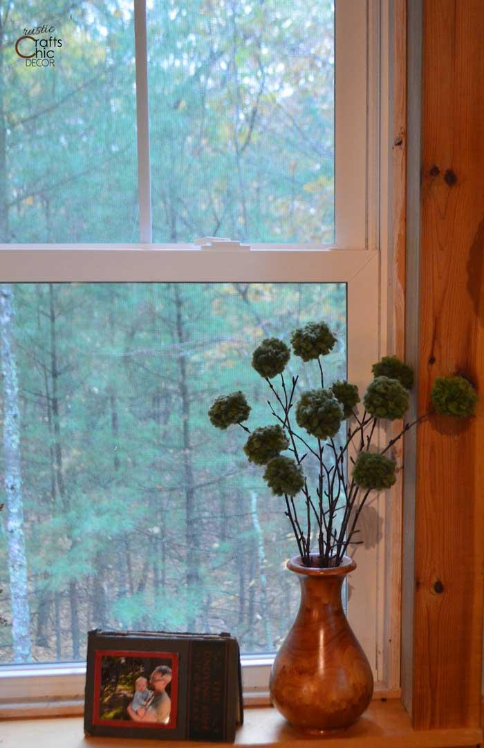 yarn pom pom rustic centerpiece