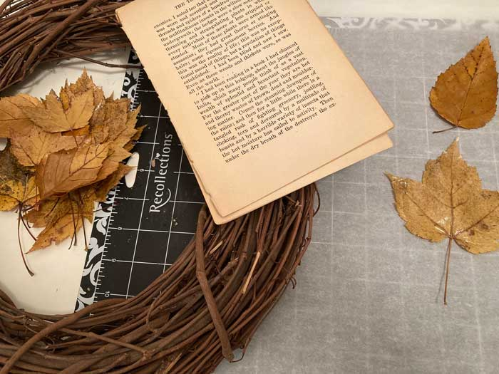 materials needed for leaf wreath