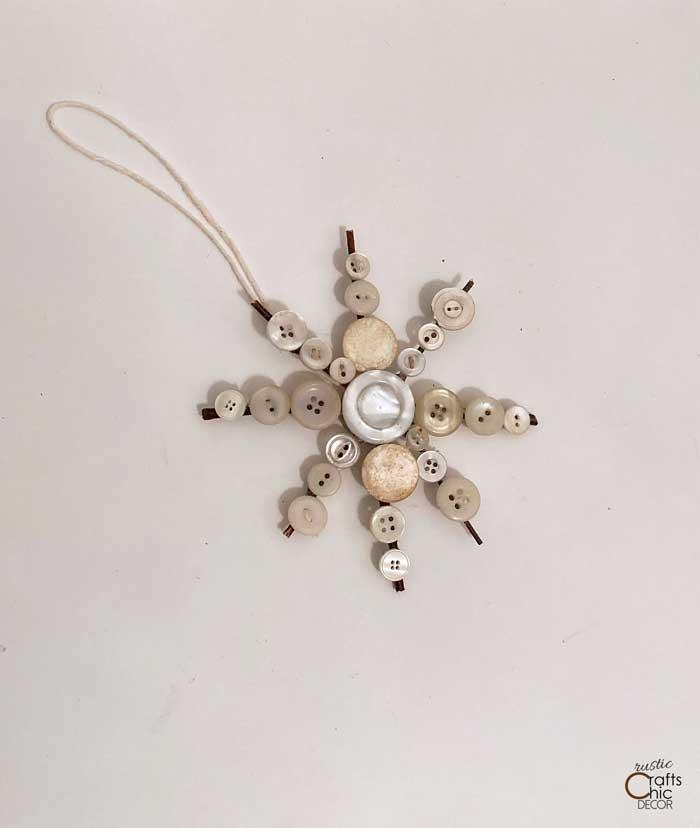 button snowflake craft