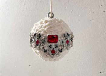 christmas ornaments made from old jewelry