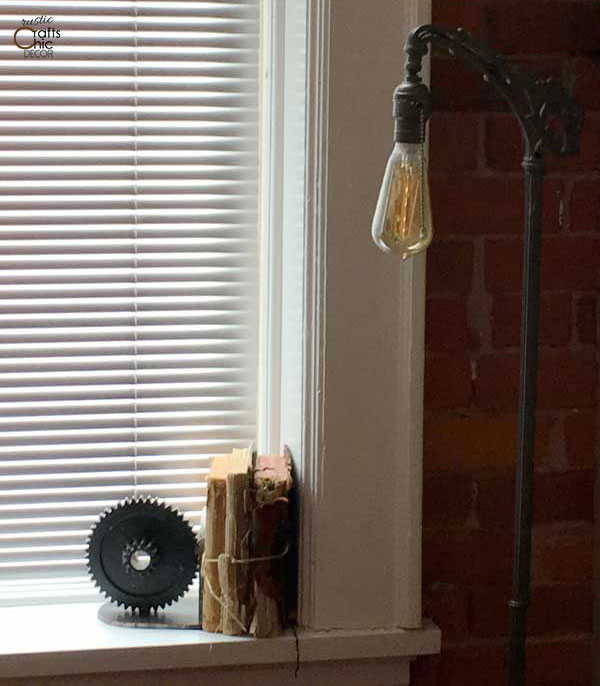 windowsill bookshelf