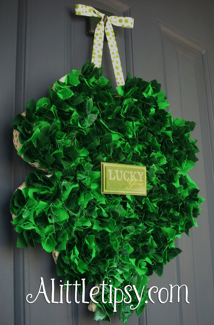 lucky green st patricks wreath