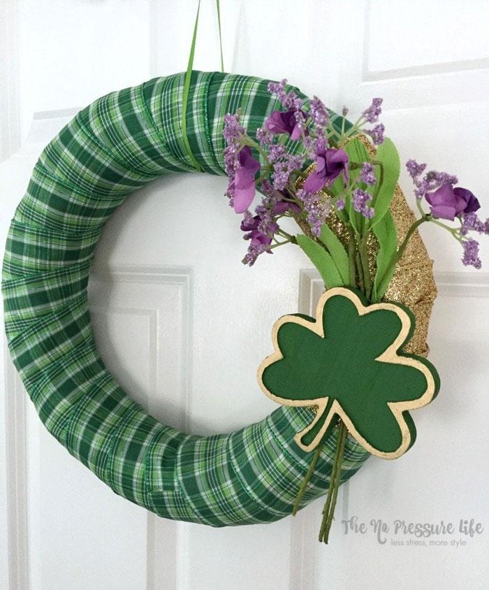ribbon rolled shamrock wreath