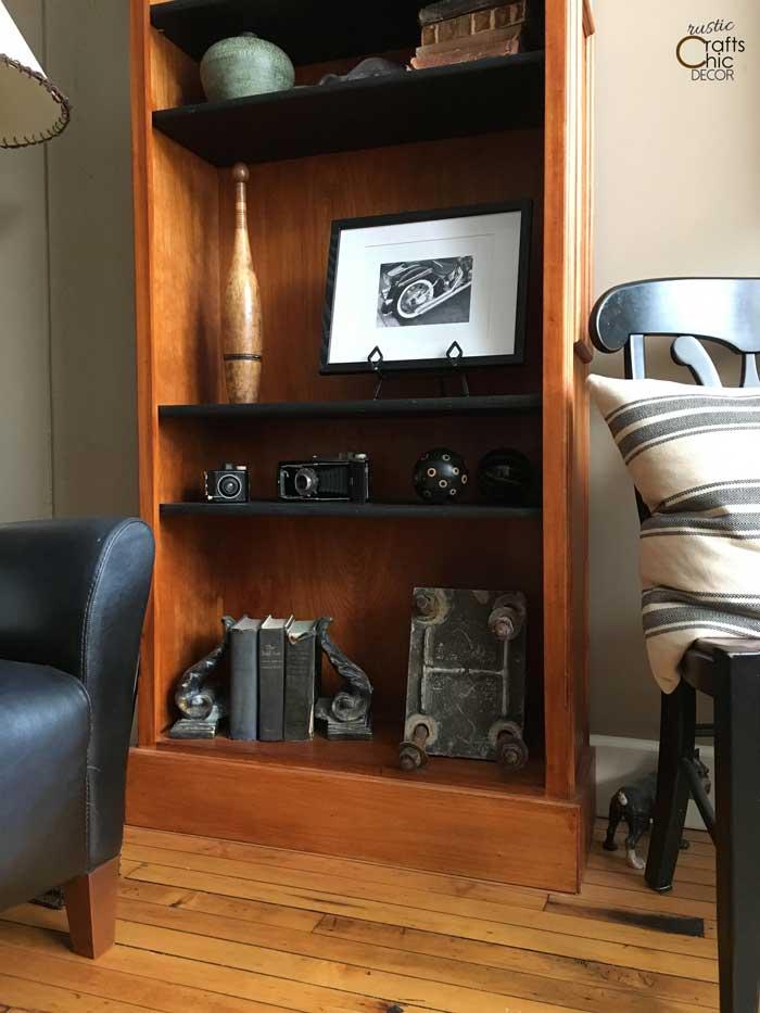 styled bookcase decoration idea