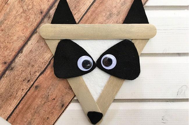 popsickle stick raccoon