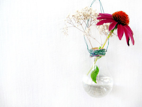 hanging light bulb vase craft